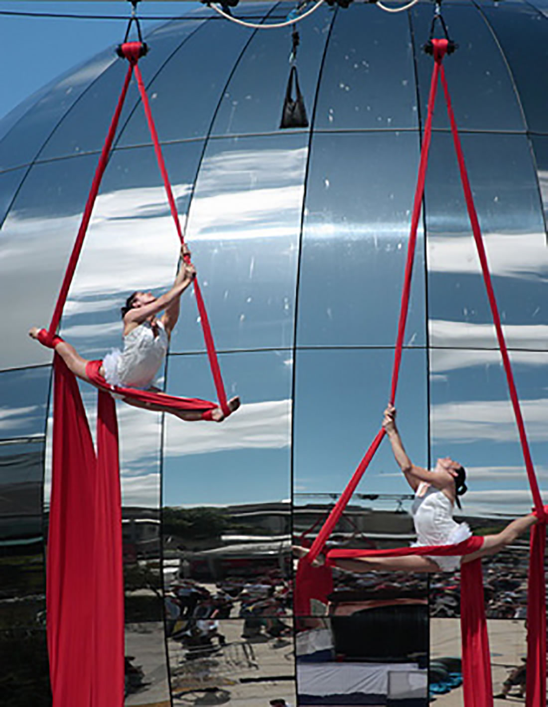 Aerial Shows - Silks Gallery - Bristol Harbourside Festival