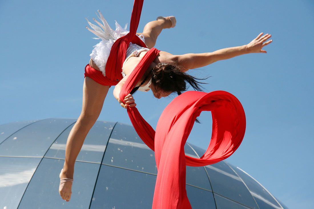 Aerial Shows - Silks Gallery - Bristol Harbourside - printed in Venue magazine
