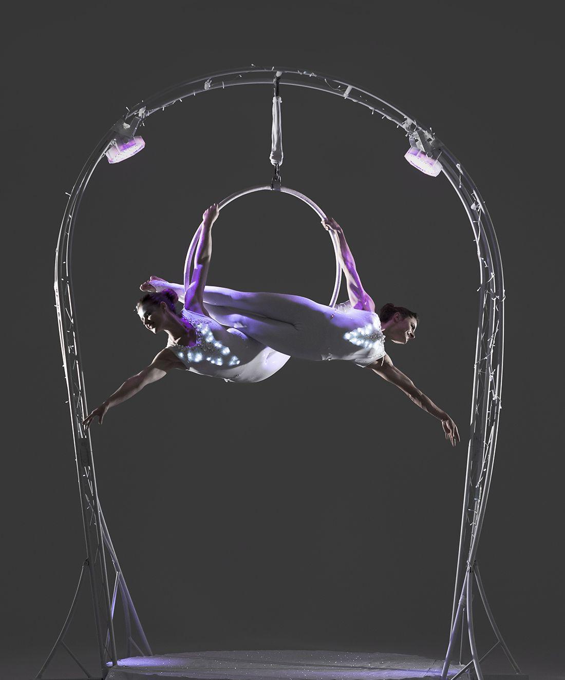 Carousel-duo-hoop