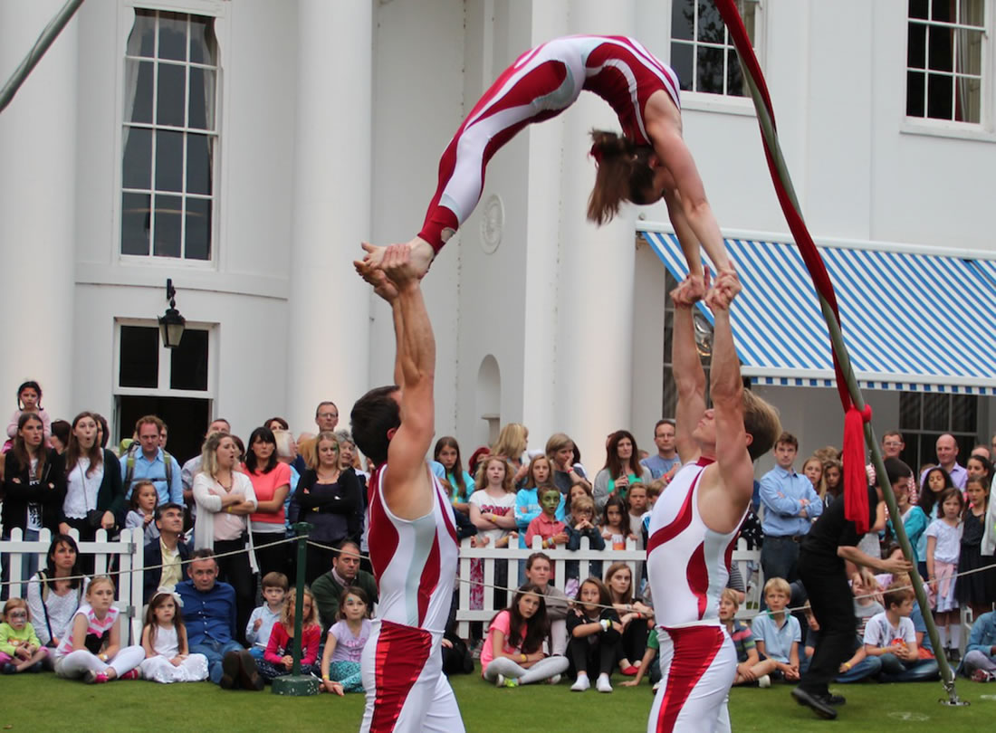 Groundbased Shows - Acrobats Gallery - Acrobatic Troupe - Hurlingham Club 1