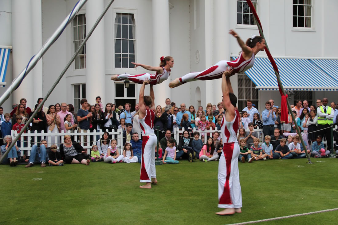 Groundbased Shows - Acrobats Gallery - Acrobatic Troupe - Hurlingham Club 2