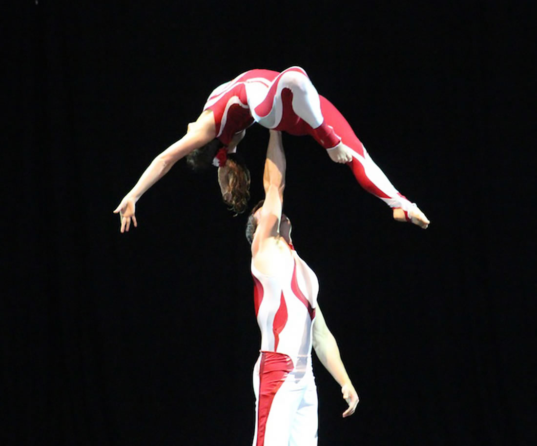 Groundbased Shows - Acrobats Gallery - Acrobatic duet at Glastonbury Festival