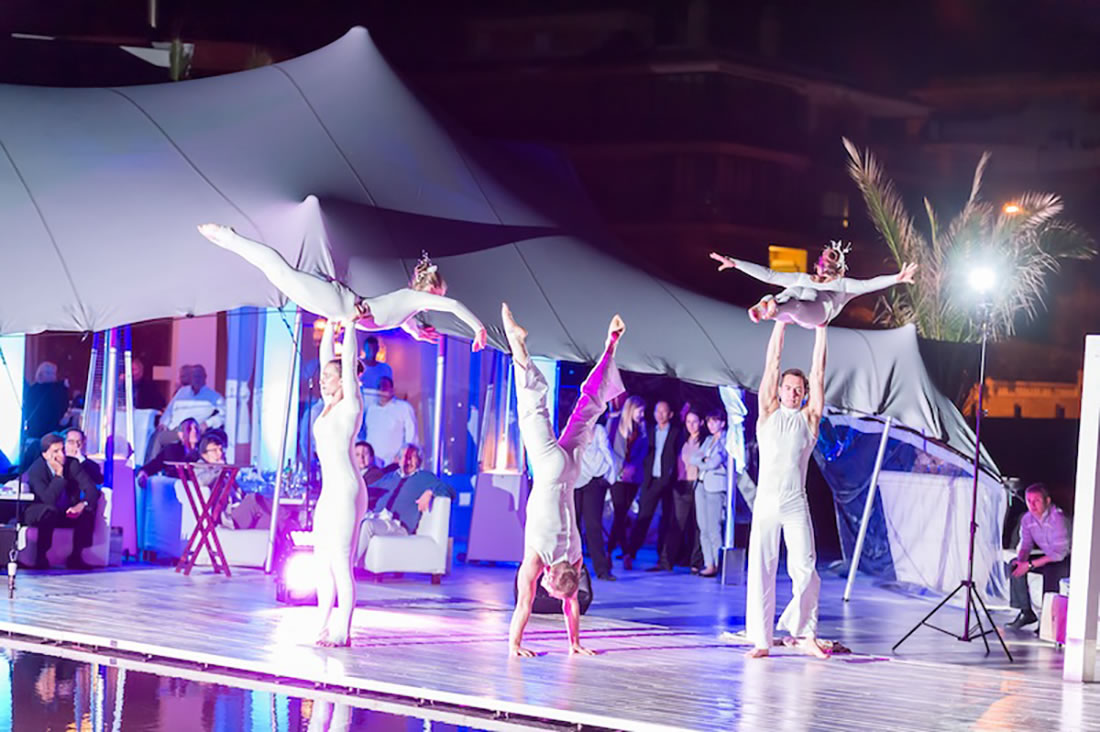 Groundbased Shows - Acrobats Gallery - Acrobatic troupe - Mallorca Intelsat 1