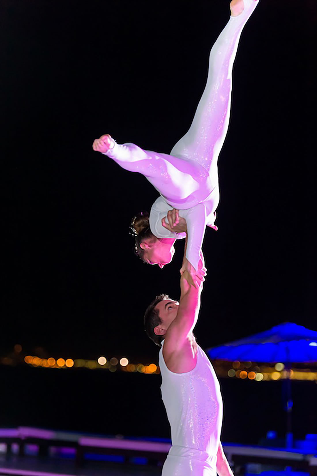 Groundbased Shows - Acrobats Gallery - Acrobatic troupe - Mallorca Intelsat 2