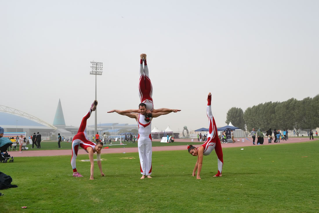 Groundbased Shows - Acrobats Gallery - Acrobats & rhythmic gymnasts in Doha