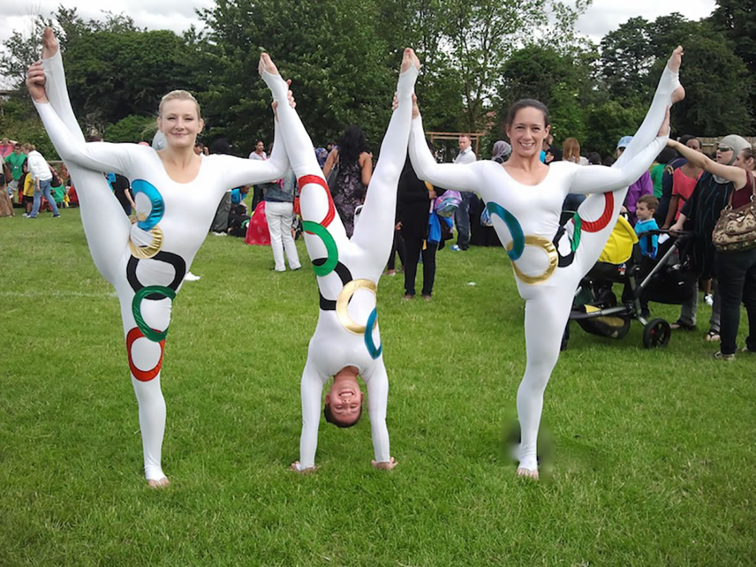 Groundbased Shows - Acrobats Gallery - All Girls trio at Oakington 2