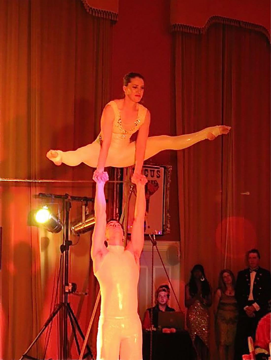 Groundbased Shows - Acrobats Gallery - Revolving podium 4