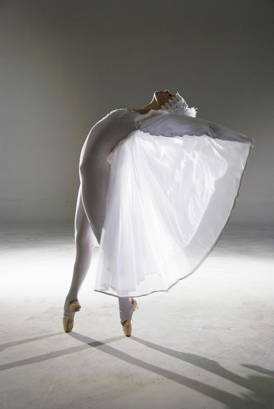Groundbased Shows - Ballerinas Gallery - Crystalline solo 1