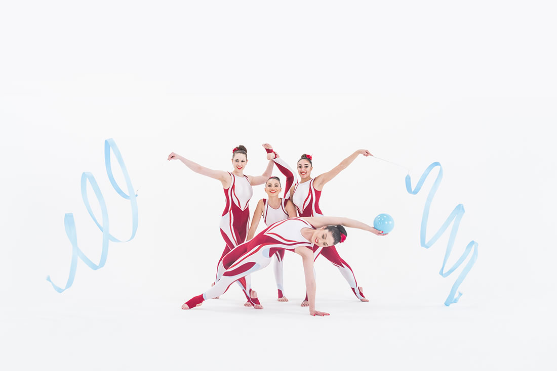 Groundbased Shows - Gymnasts Gallery - Cirque Red & White 2