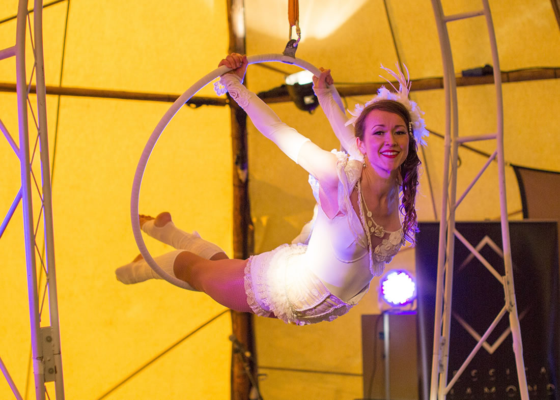 Large Cirque Shows - Gallery - Backwell_house 1
