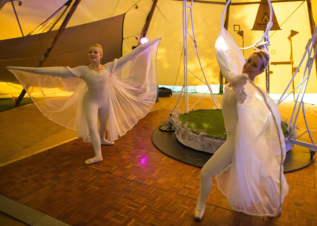 Large Cirque Shows - Gallery - Backwell_house 2