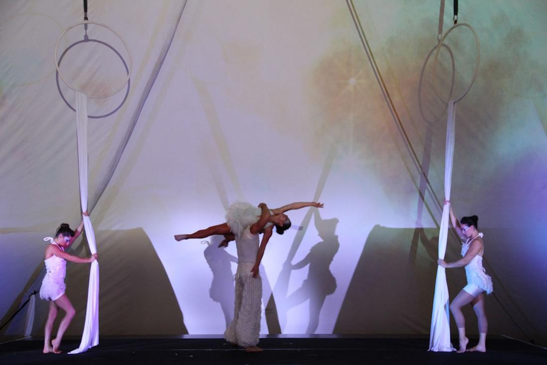 Large Cirque Shows - Gallery - Singapore Gran Prix