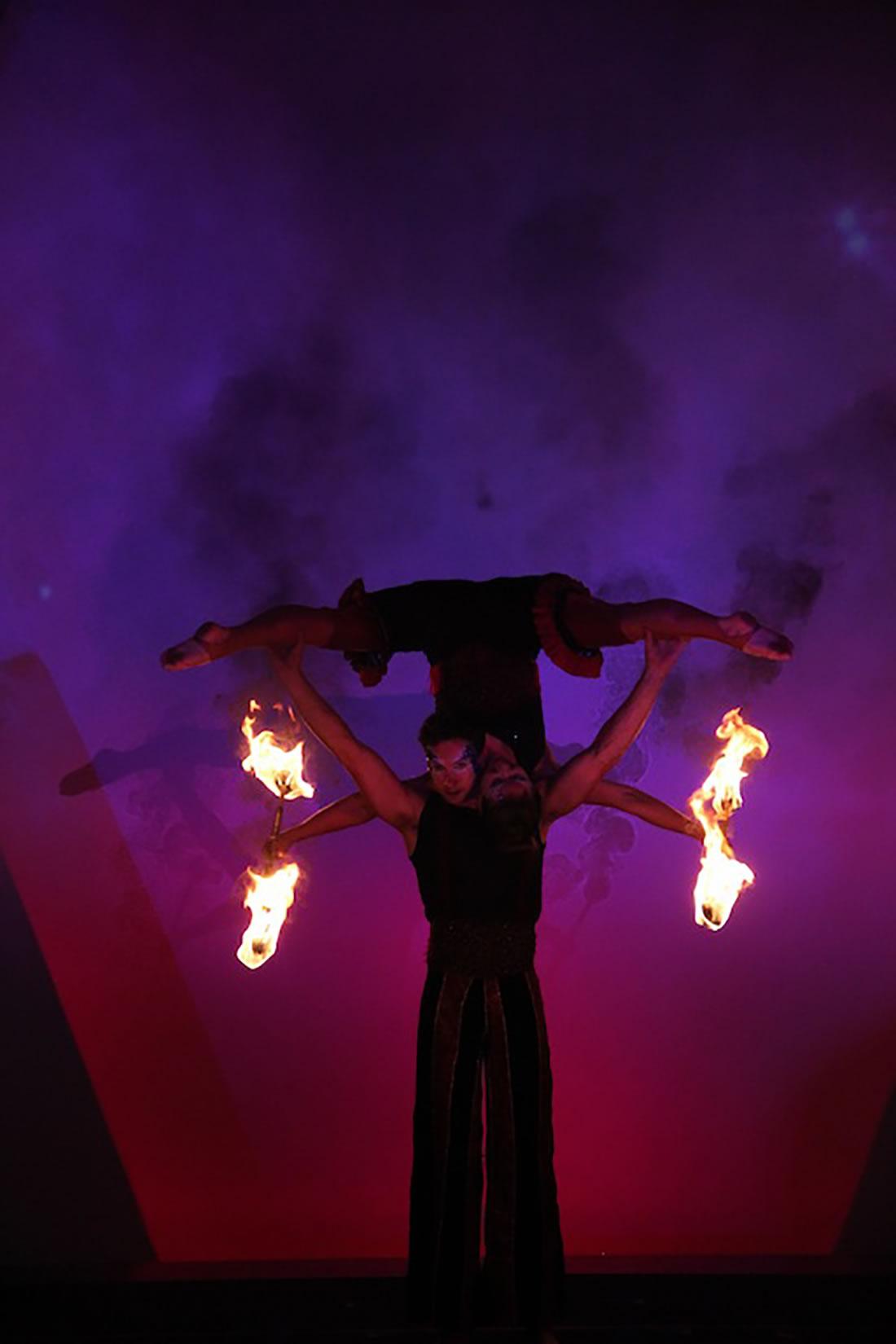 Large Cirque Shows - Gallery - Singapore Grand Prix